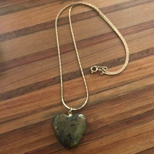 Jewelry - Black & Gold Stone Heart Necklace